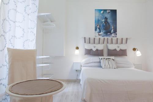 A bed or beds in a room at Rome Home Trastevere 246