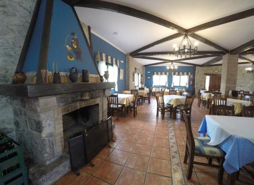 A restaurant or other place to eat at Hotel Alonso