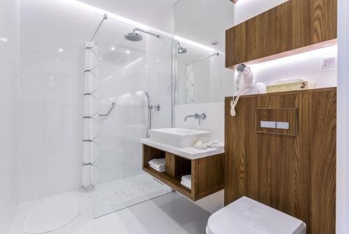 A bathroom at Hotel Elektor