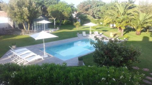 A view of the pool at Blanc Marine or nearby