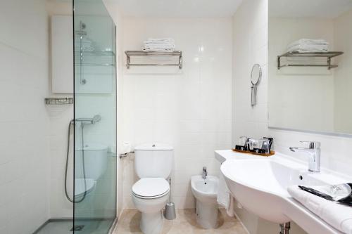 Un baño de Evenia Olympic Resort
