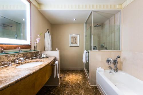 A bathroom at Sofitel New York