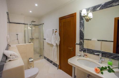 Ванная комната в Abakan Hotel