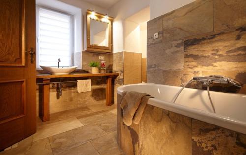 Ein Badezimmer in der Unterkunft An der Ölmühle
