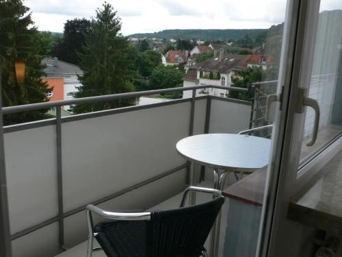 Ein Balkon oder eine Terrasse in der Unterkunft Hotel Meran Hallenbad & Sauna