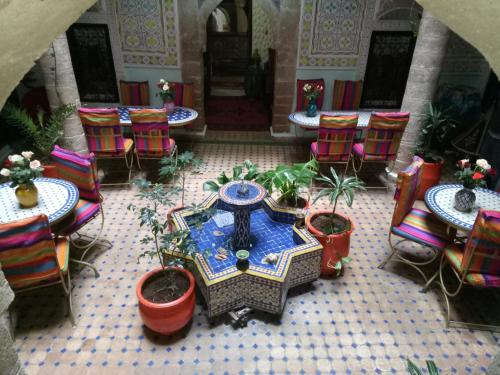 A restaurant or other place to eat at Riad Chakir Mogador