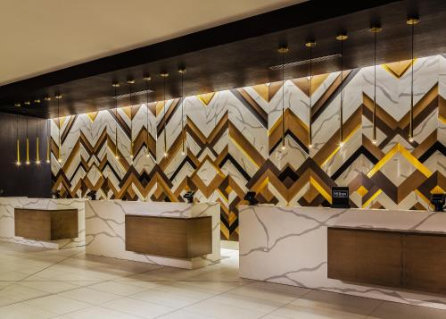 The lobby or reception area at Hilton Minneapolis