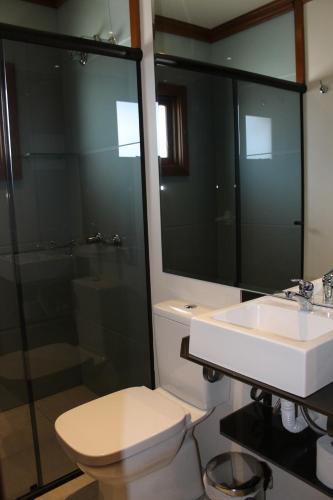 A bathroom at Residencial Aconchego do Lago