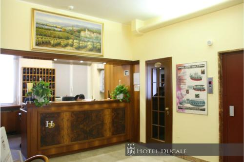 The lobby or reception area at Hotel Ducale