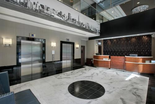 The lobby or reception area at Courtyard by Marriott New York Manhattan/ Fifth Avenue