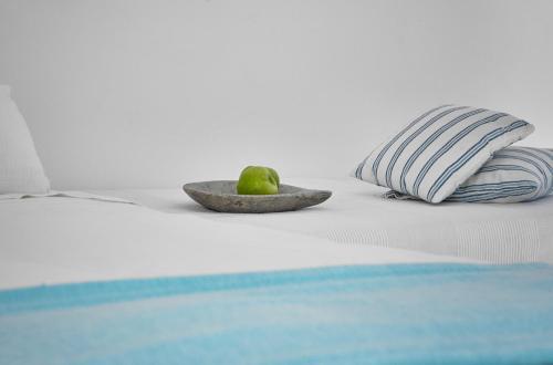 Ένα ή περισσότερα κρεβάτια σε δωμάτιο στο Finikia Memories Hotel