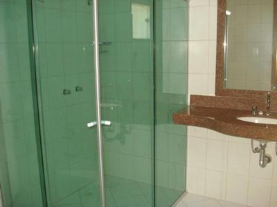 Um banheiro em Flamboyant Suite Hotel