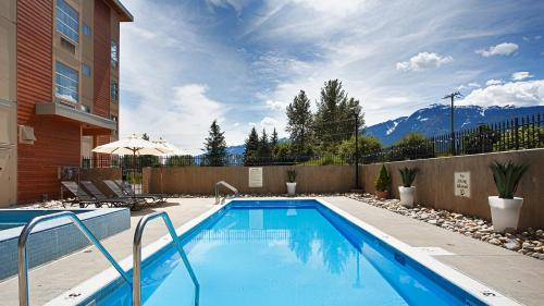 The swimming pool at or near Best Western Plus Revelstoke