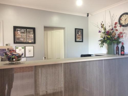 The lobby or reception area at Glider City Motel Benalla