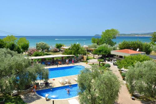 A view of the pool at Atrium Hotel Thassos or nearby