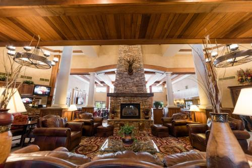 The lobby or reception area at MCM Elegante Lodge & Resorts