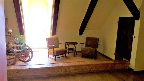 Część wypoczynkowa w obiekcie Madera Mansion Wilczkowo