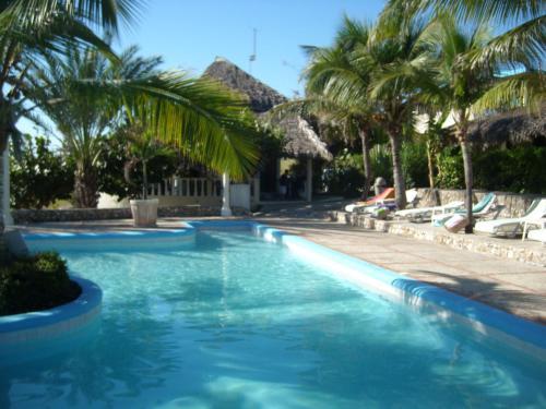 Der Swimmingpool an oder in der Nähe von Hotel Playazul