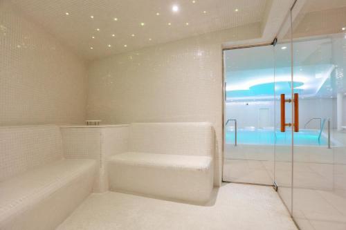 Een badkamer bij Iberostar Selection Lanzarote Park