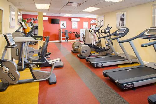 The fitness center and/or fitness facilities at Courtyard Palo Alto Los Altos