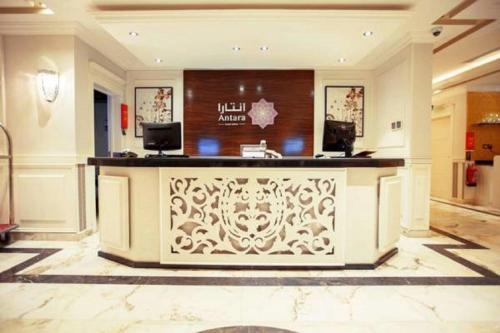 O saguão ou recepção de Masarat Al Wurud Furnished Apartments