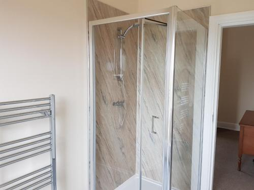 A bathroom at Station Hotel