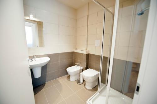 A bathroom at B&B Lo Studio