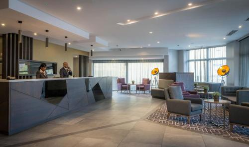 The lobby or reception area at Maldron Hotel Pearse Street