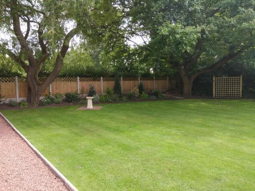 A garden outside Oaktree Lodge