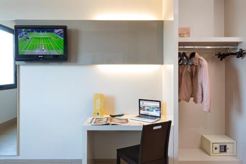 TV o dispositivi per l'intrattenimento presso B&B Hotel Ferrara