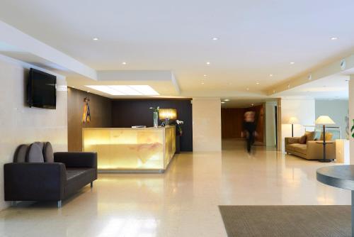 The lobby or reception area at Melia Madeira Mare