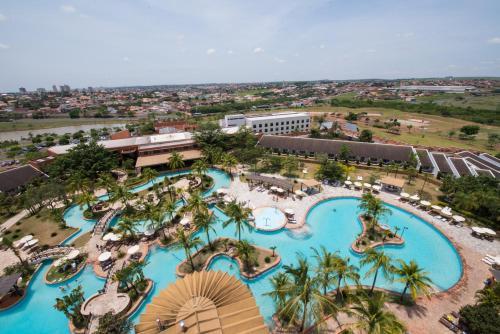 Uma vista da piscina em Blue Tree Thermas de Lins ou nos arredores