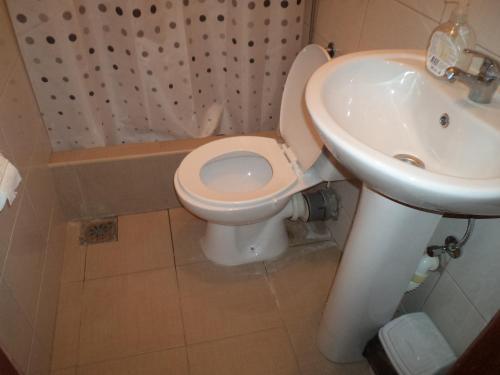 A bathroom at Hotel Le Village