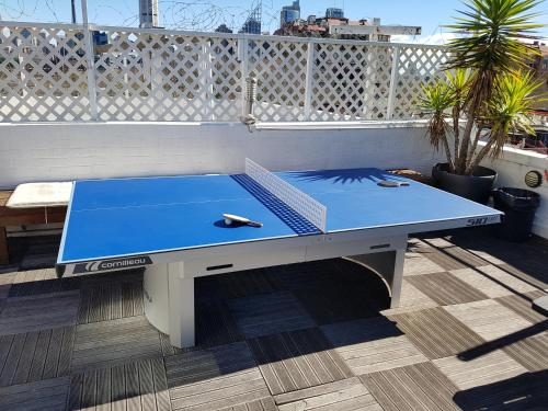 Ping-pong facilities at Sydney Central Backpackers or nearby
