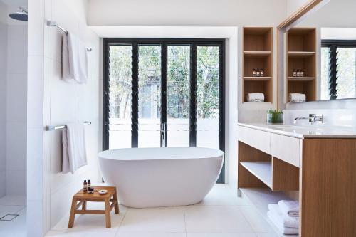 A bathroom at Elements Of Byron