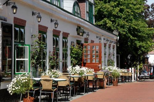 Ein Restaurant oder anderes Speiselokal in der Unterkunft Hotel Zur alten Post