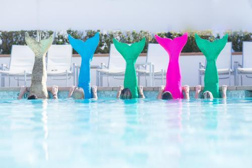 The swimming pool at or near Hotel del Coronado, Curio Collection by Hilton