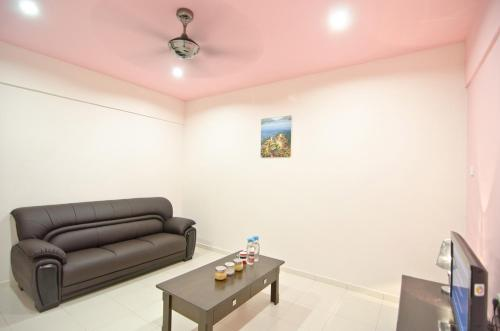A seating area at My Jonker Homes