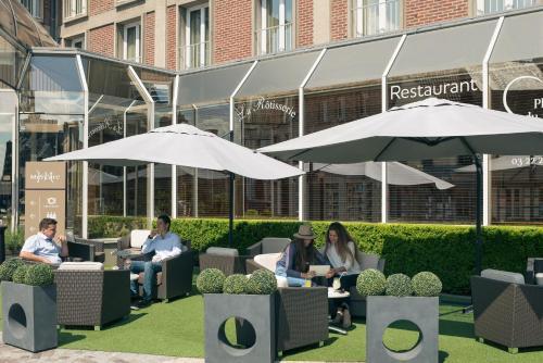 Restaurant ou autre lieu de restauration dans l'établissement Mercure Abbeville Centre – Porte de La Baie de Somme