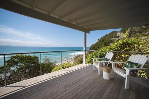 A balcony or terrace at 2/37 Marine Pde, Wategos Beach - Jane's on Wategos