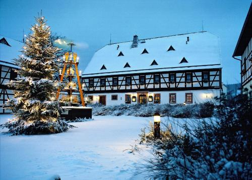 Hotel Folklorehof during the winter