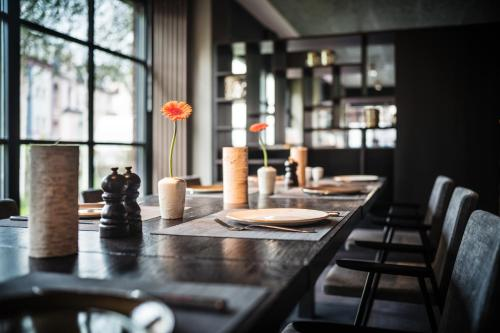 A restaurant or other place to eat at SAKS Urban Design Hotel Frankfurt