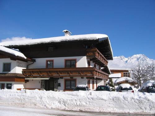 Gästehaus Sillaber-Gertraud Nuck during the winter