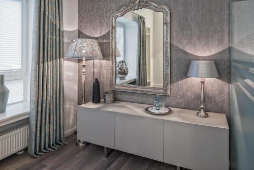 Ein Badezimmer in der Unterkunft Hotel Prinz Anton