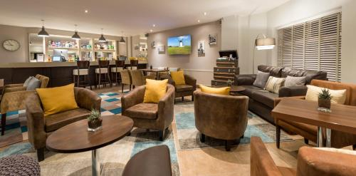 The lounge or bar area at Mode Hotel St Annes
