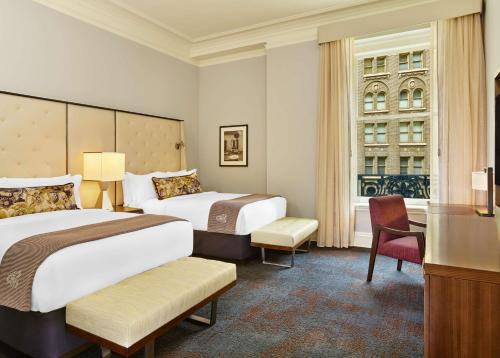 A bed or beds in a room at Palace Hotel, a Luxury Collection Hotel, San Francisco