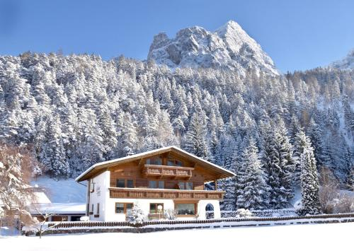 Landhaus Schmitte during the winter