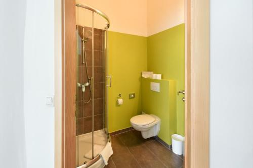 A bathroom at Hotel Mocca