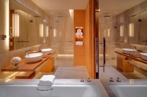 A bathroom at Park Hyatt Guangzhou