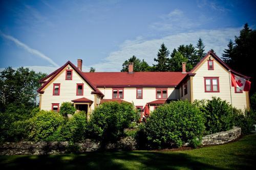 Dominion Hill Country Inn